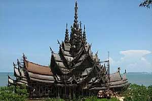 santuary of truth in pattaya